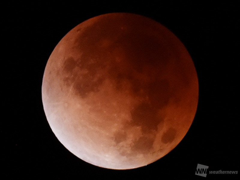 7月28日(土)早朝は皆既月食九州エリアを中心に観測のチャンスあり皆既月食の仕組み部分月食・皆既月食が見られるエリアは?月食のタイムスケジュール実際に赤銅色の月を観測出来るエリアは?月食の時間帯の天気は?参考資料など
