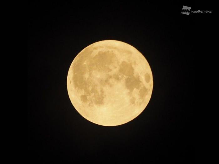 満月の明るさって、どのくらい?...