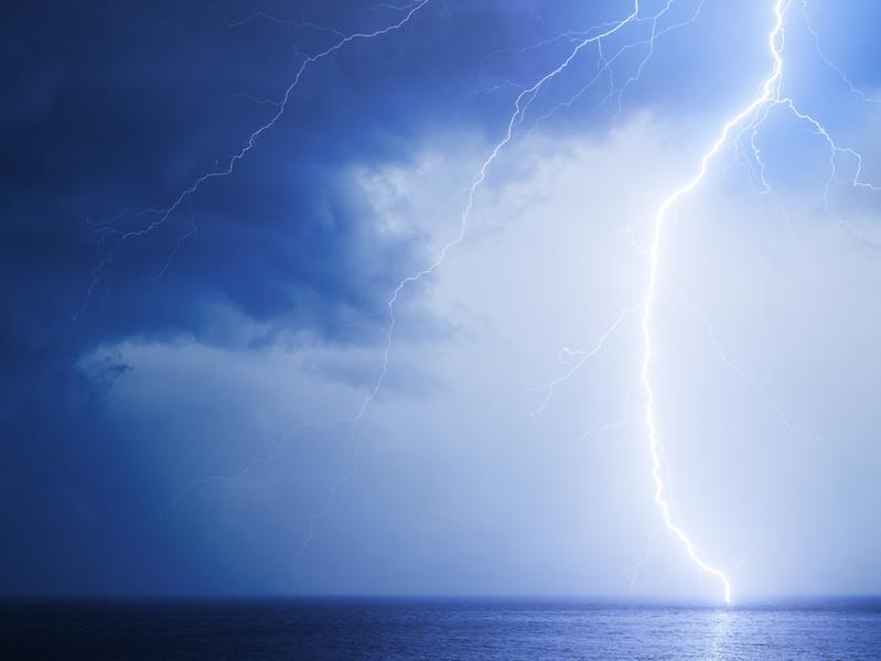 1発の重みが違う…冬の雷、威力は夏の100倍以上に匹敵冬の日本海側は雷多発エリア冬の雷、威力は夏の100倍!?なぜ冬の雷は日本海側に多いの?日本海側で雷をもたらした雲が、太平洋側にくることはないの?冬の雷への対策参考資料など