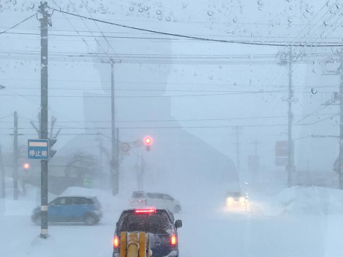 北海道で猛吹雪と激しい雪 18日(金)まで積雪急増とホワイト