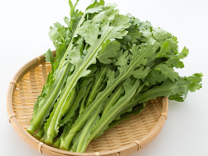 春菊の栄養は美容と免疫力アップにも 緑黄色野菜でもトップクラス ...